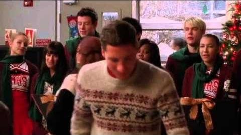 GLEE- Welcome Christmas (Full Performance)