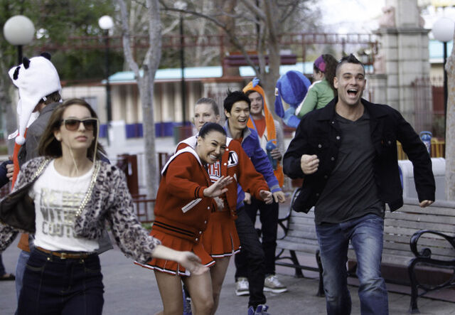 File:315glee bigbrother scene26pt 0806.jpg