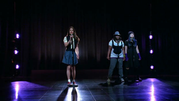 File:Rachel,Mercedes, and Tina singing Take a Bow.png