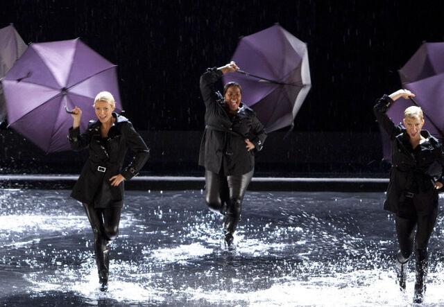 File:Singin-in-the-rain umbrella.jpg