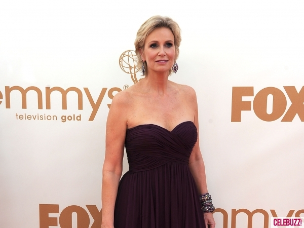 File:Jane-Lynch-at-the-2011-Emmy-Awards-1-600x450.jpg
