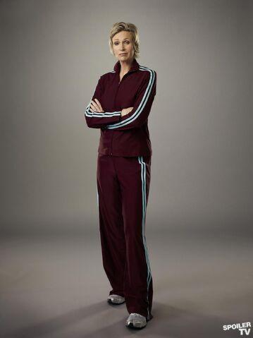 File:Sue Season 4 Full Body.jpg