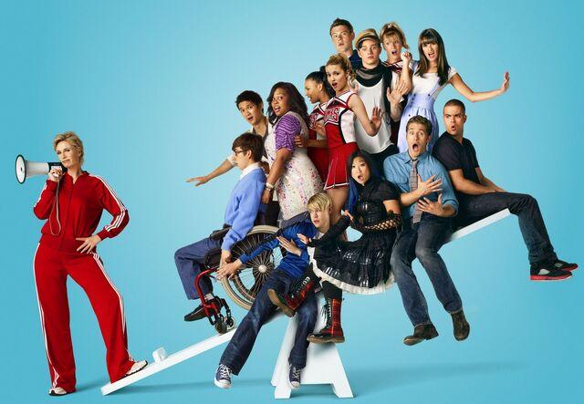 File:Glee-season-2-images-funtvshow.jpg