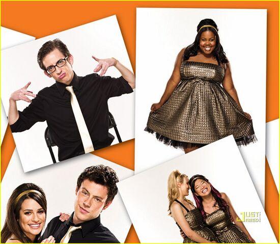 File:Glee-album-artwork-journey-to-regionals-02.jpg