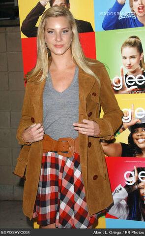 File:Heather-morris-glee-los-angeles-premiere-0jwcRq.jpg