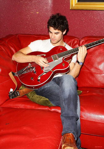 File:Darren Criss red.jpg