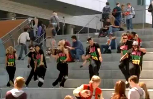 File:Glee Sept2newsne.jpg