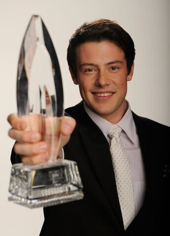 File:Cory+Monteith+2011+People+Choice+Awards+Portraits+pjFKSOHalofl.jpg