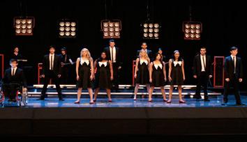 File:Glee-hell-o-hello-goodbye.jpg