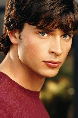 File:Charlie Quint - Tom Welling.jpg