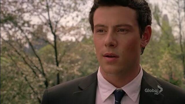 File:Date 1 Finn sees Rachel.JPG