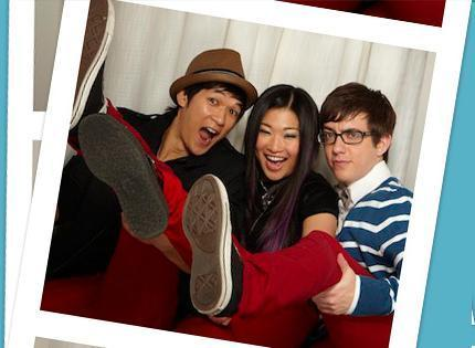 File:Glee-Cast-Fox-Photo-Booth-Photo-Shoot-glee-11380028-430-315.jpg