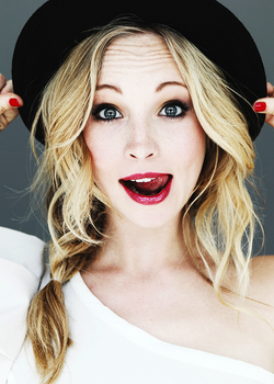 Candice red lips