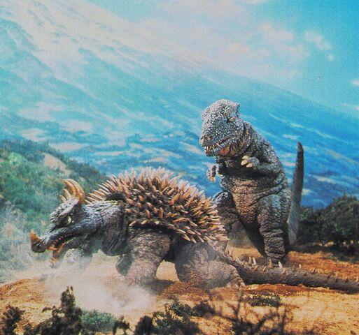 File:DAM - Anguirus and Gorosaurus.jpg