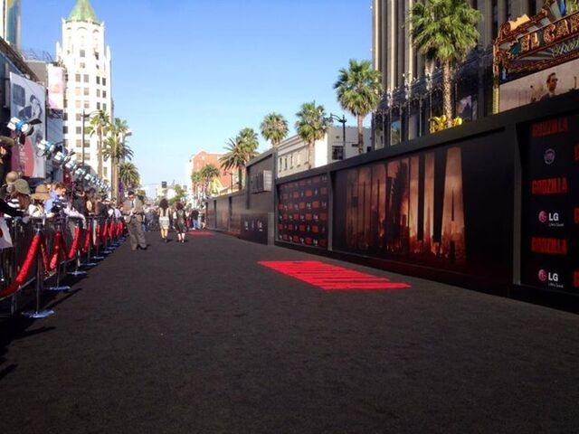 File:Godzilla 2014 Red Carpet 2.jpg
