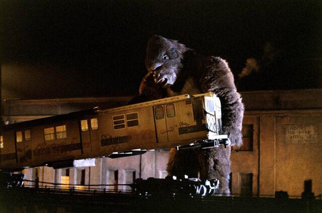 File:King Kong 1976 Kong Attacks a Train.jpg
