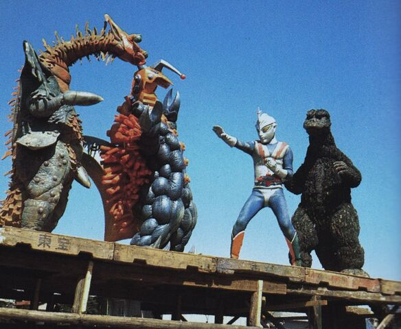 File:ZF - Godzilla and Zone Fighter vs. Wagilar and Spylar.jpg