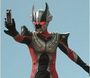 File:Burst Reimon holding his battle Nizer.jpg