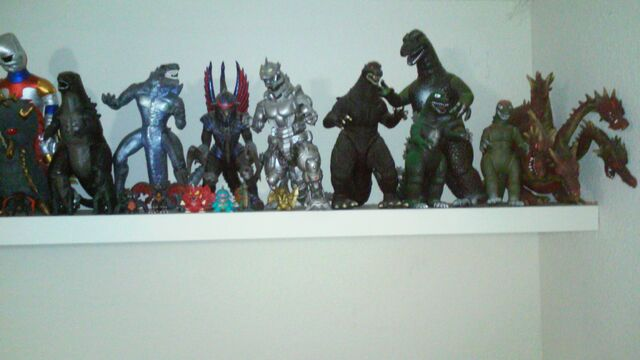 File:Titanollante Kaiju Collection Feb 2015 Number 6.jpg