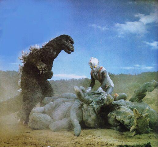 File:ZF - Godzilla and Zone Fighter vs. Jellar and Kastam-Jellar.jpg