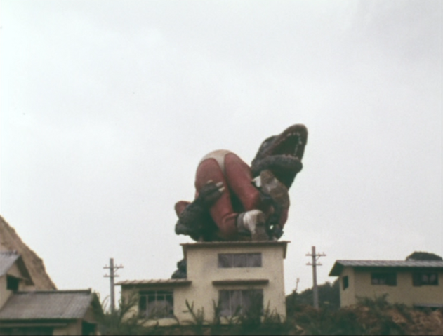 File:Go! Godman - Episode 6 Godman vs. Gorosaurus - 21 - I can't get off Mr. Gorosaurus's Wild Ride.png