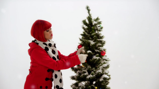 File:Holly in I Love Christmas Time (The Go!Go!Go! Show, Nick Jr.).png