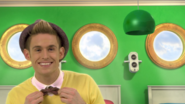 Carl in Wake Up Smiling (The Go!Go!Go! Show, Nick Jr.)