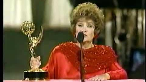 ★ Estelle Getty ★ Receiving An Emmy Award For The Golden Girls ★ 1988 ★
