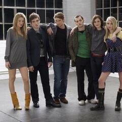 Blake, Ed, Chase, Penn, Leighton, & Taylor on set