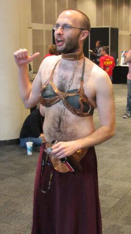 File:Gender-bending-metal-bikini-leia-nycc-2011.jpg