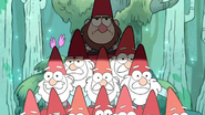S1e1 building giant gnome