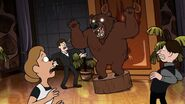S02e11 Taxidermied grizzly