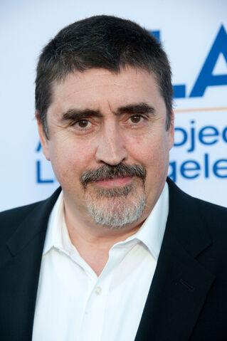 File:Cast Alfred Molina.jpg