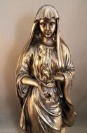 Hestia-with-flame-statue-CUfront-PT-8921