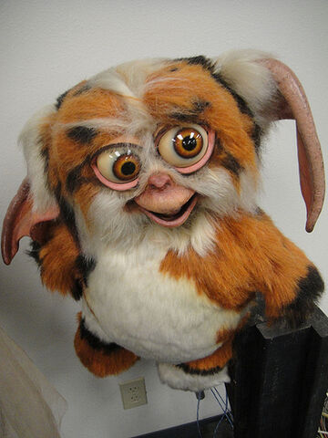 File:The Prop Store of London - LA - animatronic Daffy from Gremlins 2.jpg