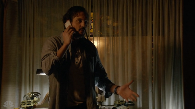 File:213-Monroe on phone.png