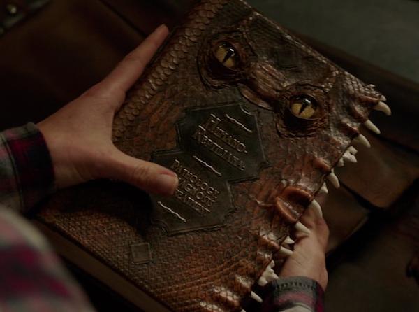 File:609-Humano-Reptiliana Book.png