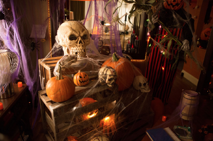 File:209 -Monroe's house in halloween 04.png