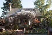 209-Monroe House-Halloween4