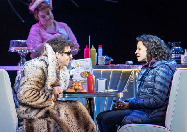 File:Andy Karl and Carlyss Peer as Phil and Rita, respectively, in a diner.png