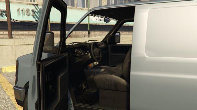 File:Rumpo-GTAV-Interior.jpg