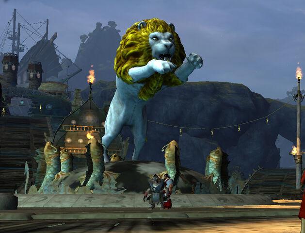 File:LionsArchGrandPiazza2.jpg