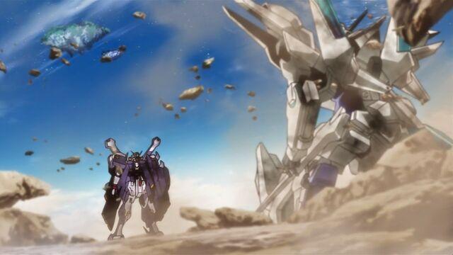 File:Transient Gundam vs. Crossbone Gundam X1 Full Cloth.jpg