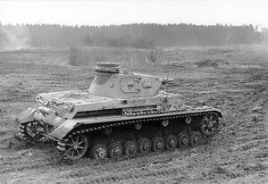 Bundesarchiv Bild 101I-124-0211-18, Im Westen, Panzer IV