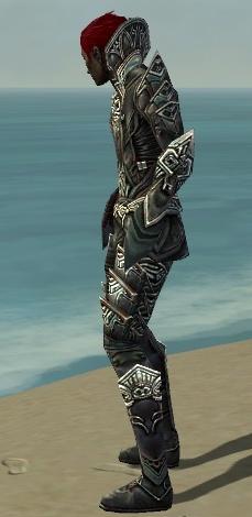 File:Necromancer Monument Armor M gray side.jpg