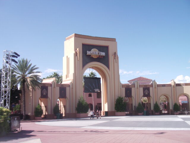 File:Universal Studios Florida HHN 21 Entrance.JPG