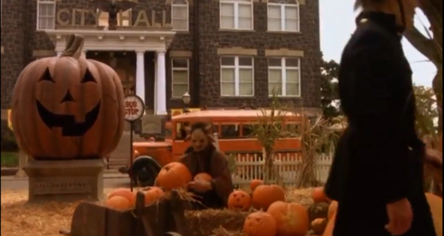File:Halloweentown city pic.PNG