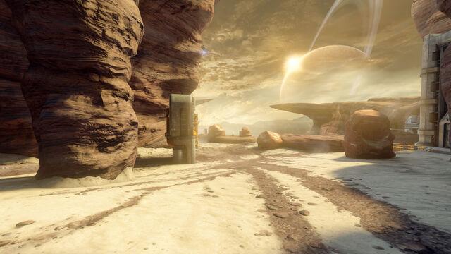 File:Halo 4 Castle Map Pack Outcast 1.jpg