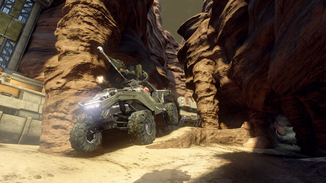 File:Halo 4 Castle Map Pack Outcast Warthog.jpg
