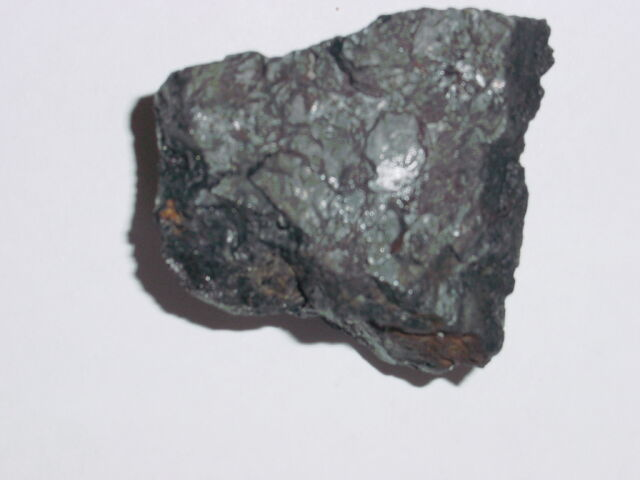File:Iron ore - no label.jpg